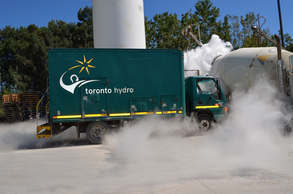Toronto Hydro Truck (CNW Group/Toronto Hydro Corporation)