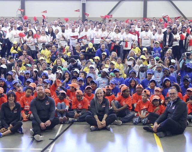 In Calgary, Canadian Tire Corporation announced an unprecedented $50 million investment in accessible and inclusive play through its Jumpstart Charities with Hayley Wickenheiser, Michelle Salt, Alister McQueen, Kaillie Humphries and Duncan Fulton. (CNW Group/CANADIAN TIRE CORPORATION, LIMITED)