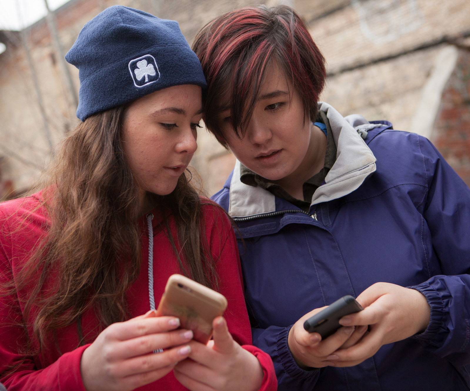 A nationwide survey, commissioned by Girl Guides of Canada through Ipsos, reveals that over half of girls in Canada agree that they face unrealistic expectations and mixed messages that negatively impact their self-esteem. (CNW Group/Girl Guides of Canada)